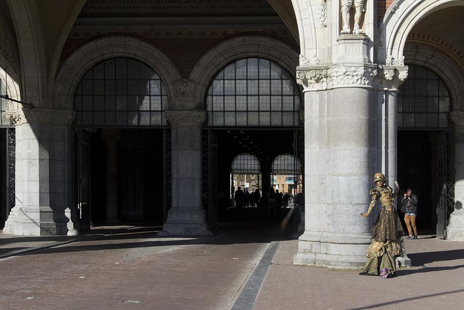 Amsterdam, Durchfahrt des Rijksmuseums