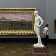 Berlin, Museumsinsel, Alte Nationalgalerie, Rückkehr zur Heimat; Adolf von Hildebrand, Stehender junger Mann