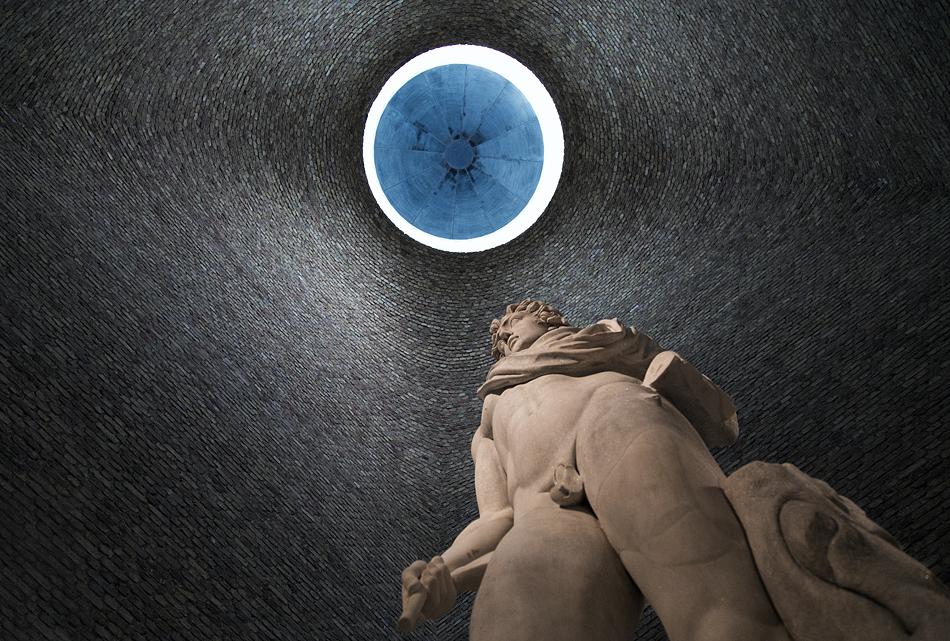 Neues Museum, Statue des Helios im Südkuppelsaal