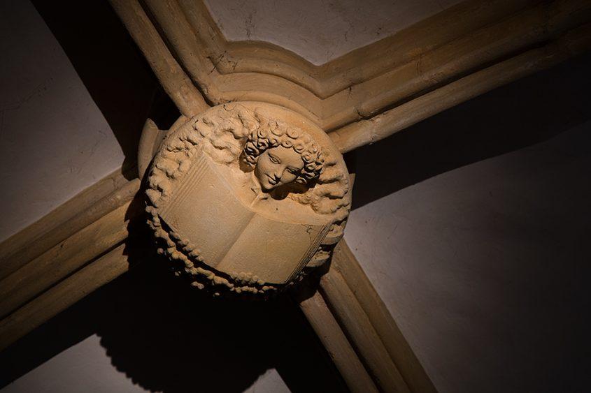 Merseburger Dom, Schlussstein mit Engel