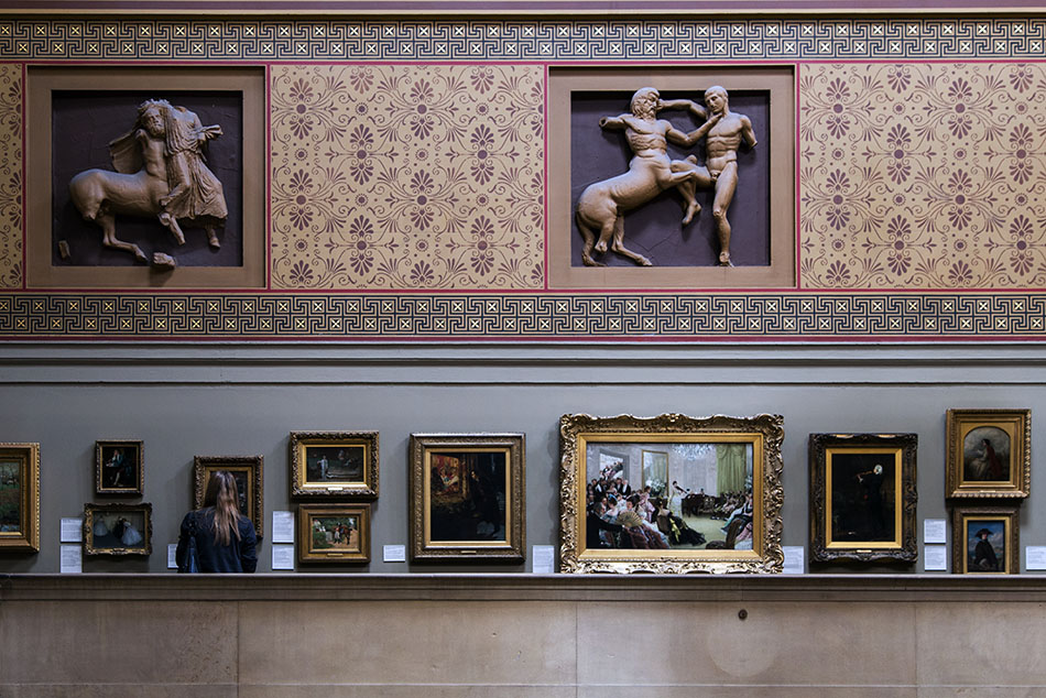 Manchester Art Gallery, Entrance hall wit plaster casts of the Parthenon