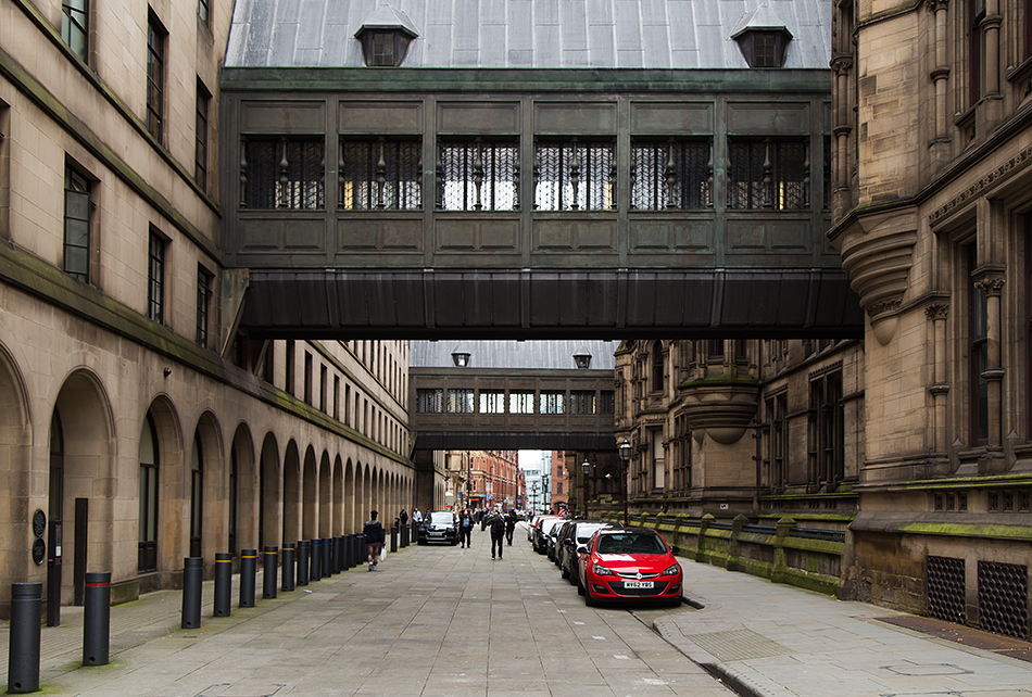 Manchester, Pedestrian Bridges between Town Hall and Extension