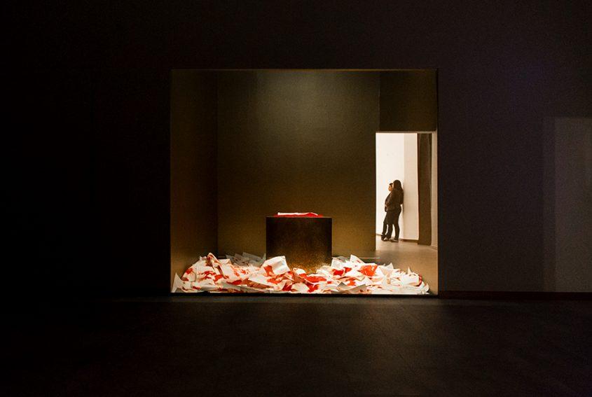 Melati Suryodarmo, Behind the Light, Singapore Biennale 2016, Fabian Fröhlich