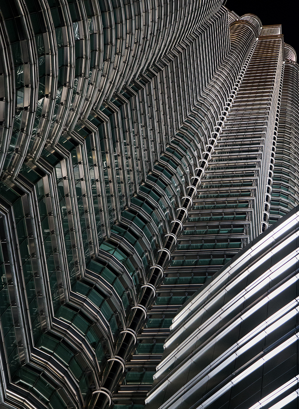 Fabian Fröhlich, Kuala Lumpur, Petronas Twin Towers,  Facade at Night