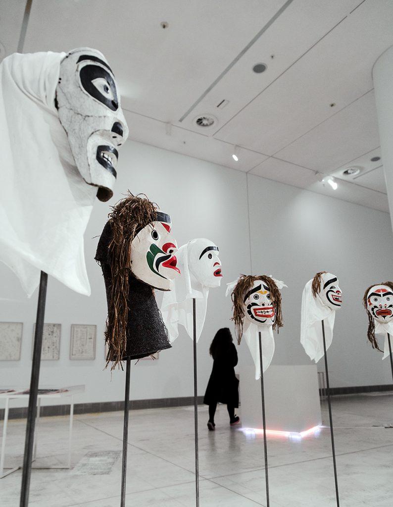 Beau Dick, Masks from the series Atlakim, EMST, documenta 14, Athen, Fabian Fröhlich