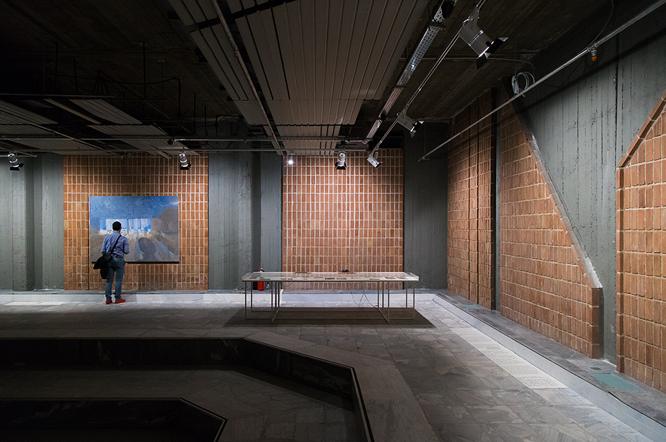 Edi Hila, Installation view, documenta 14, Athens, Odeion, Fabian Fröhlich