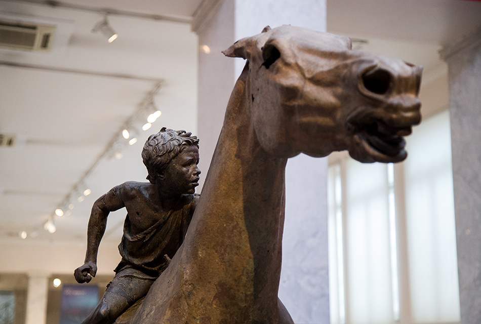 Fabian Fröhlich, National Archaeological Museum of Athens, Jockey of Artemision