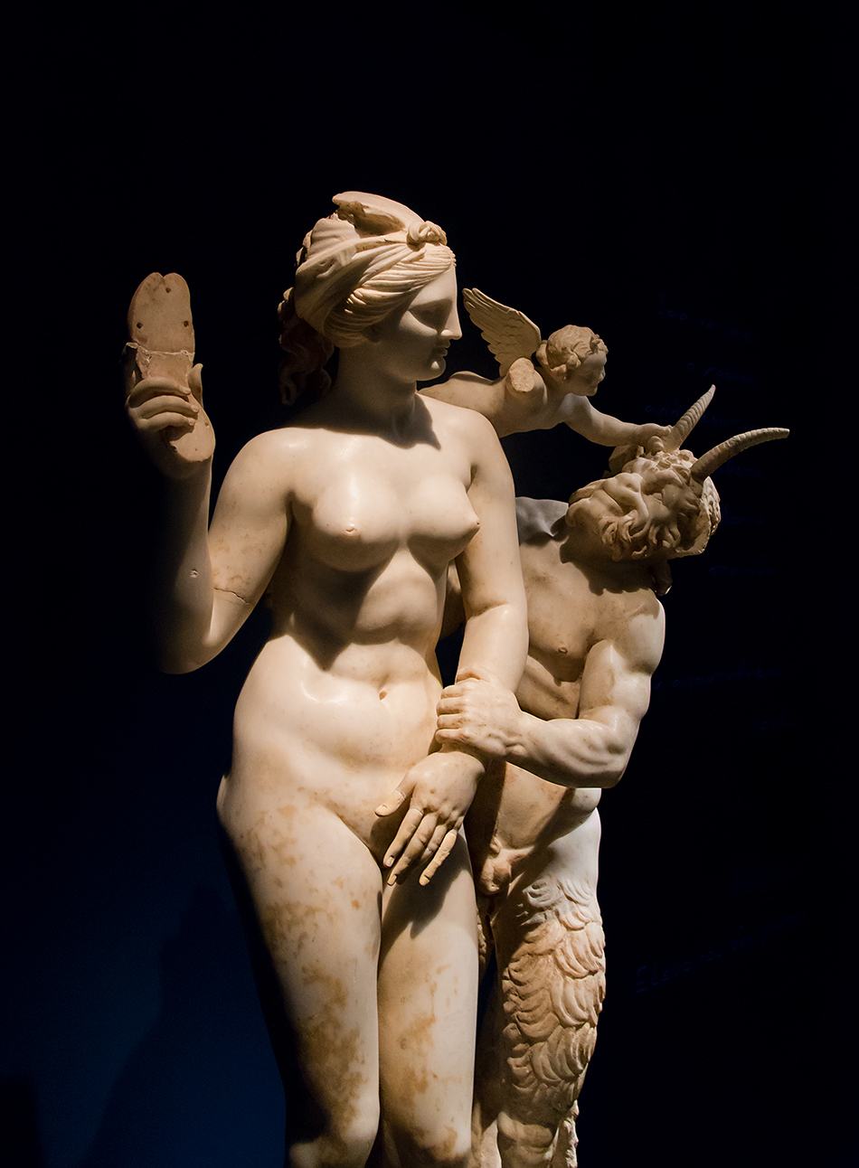 Fabian Fröhlich, National Archaeological Museum of Athens,  Marble group of Aphrodite with Pan and Eros