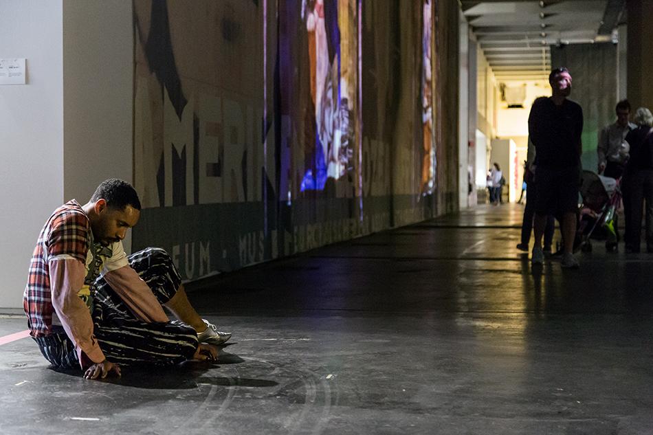 Fabian Fröhlich, Kassel, documenta 14, Neue Hauptpost, Maria Hassabi, STAGING: Pink Floor