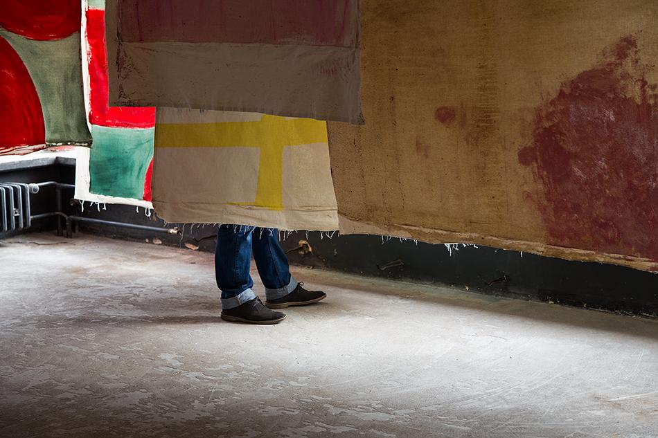 Fabian Fröhlich, documenta 14, Kassel, Vivian Suter, Nisyros (Vivian's bed) (Glass Pavilions on Kurt-Schumacher-Straße)