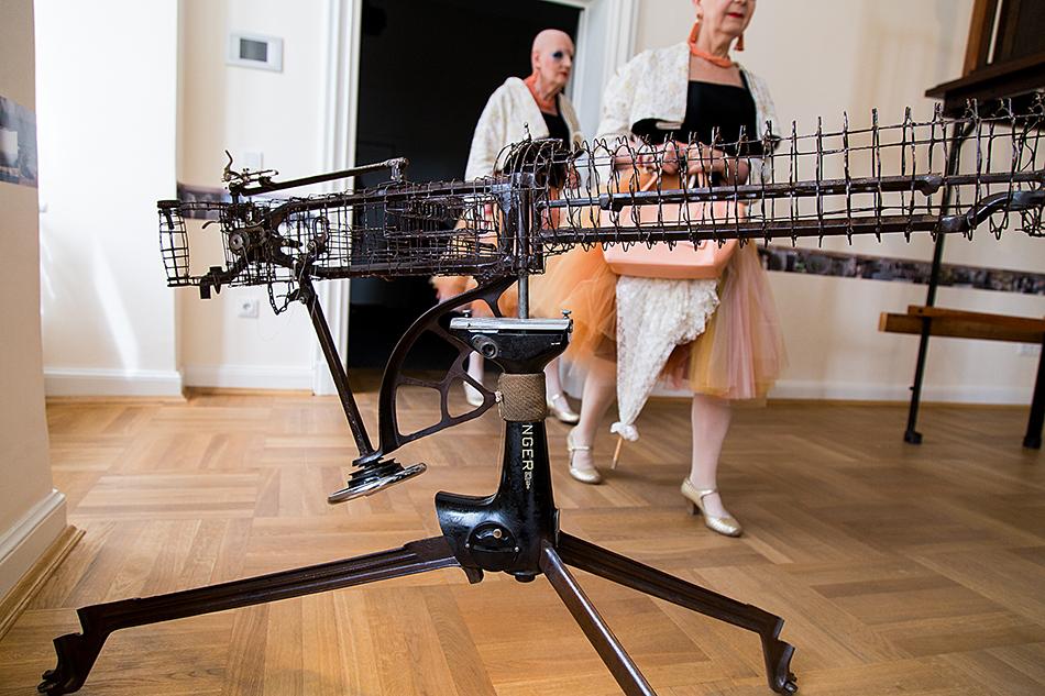 Fabian Fröhlich, documenta 14, Kassel, Bonita Ely, Sewing Gun / Eva & Adele (Palais Bellevue)
