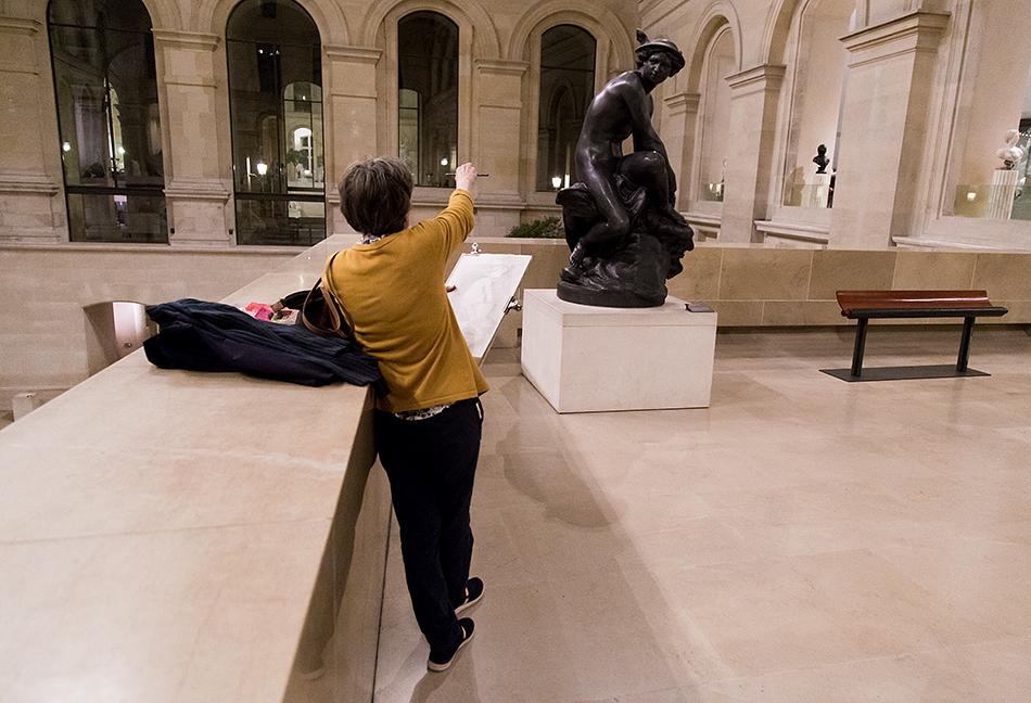 Fabian Fröhlich, Louvre, Mercure attachant ses talonnières, Jean-Baptiste Pigalle