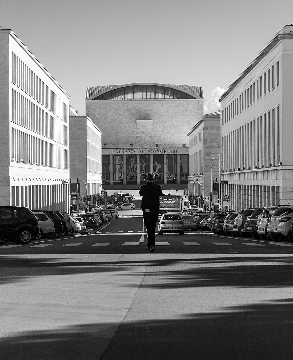 Rom, EUR, Viale della Civiltà del Lavoro and Palazzo dei Congressi