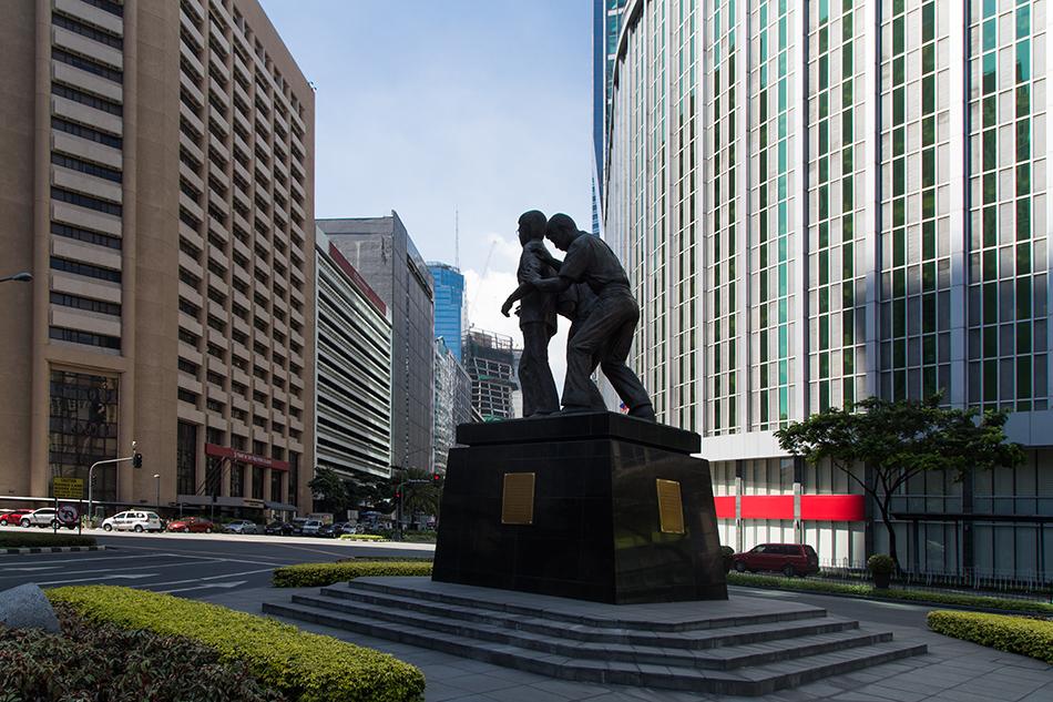 Fabian Fröhlich, Manila, Makati, Ninoy Aquino Monument