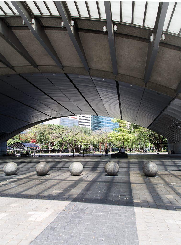 Fabian Fröhlich, Manila, Makati, Exchange Plaza