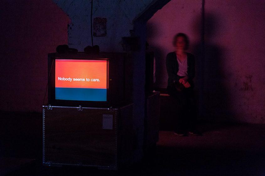 Fabian Fröhlich, 10 Berlin Biennale, Tony Cokes, installation view (ZK/U - Zentrum für Kunst und Urbanistik)