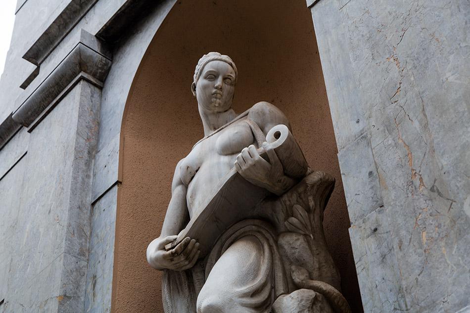 Fabian Fröhlich, Palermo, piazza verdi, Skulptur