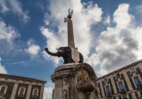 Fabian Fröhlich, Catania, Fontana dell'Elefante