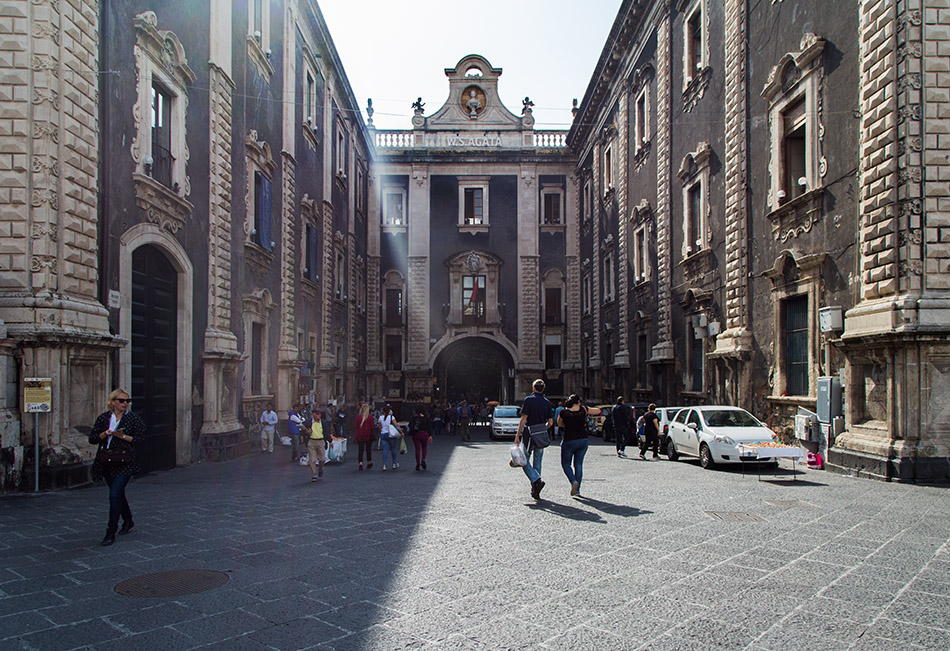 Fabian Fröhlich, Catania, Porta Uzeda
