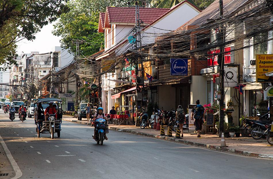 Fabian Fröhlich, Vientiane, Rue Setthathilath