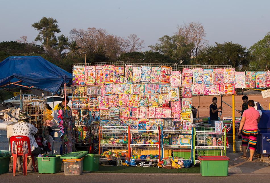 Fabian Fröhlich, Vientiane, Street Market at Sithane Road