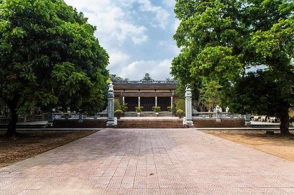Fabian Fröhlich, Vietnam, Huế, Báo Quốc Temple (Chùa Báo Quốc)