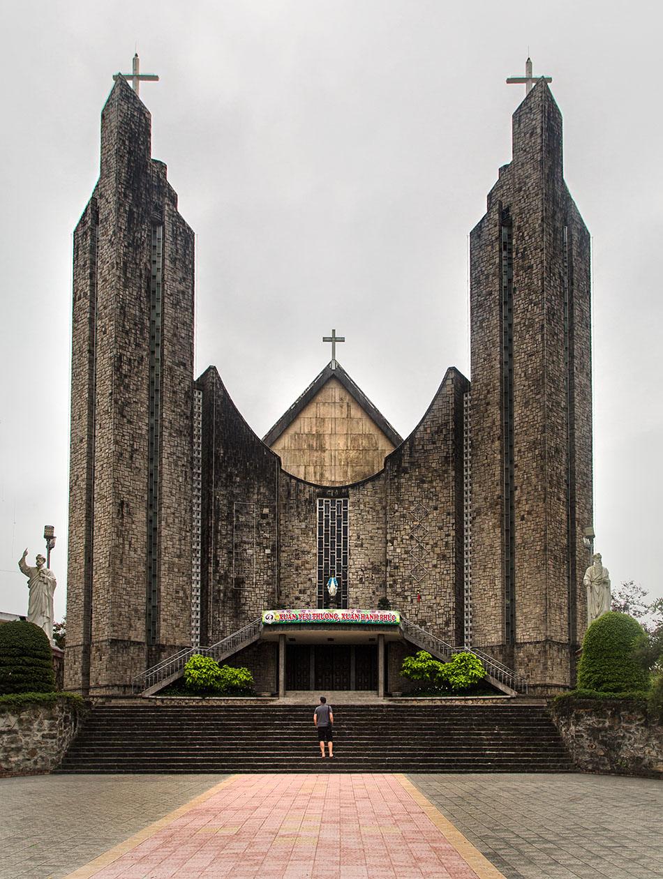 Fabian Fröhlich, Vietnam, Huế, Nhà thờ Phủ Cam