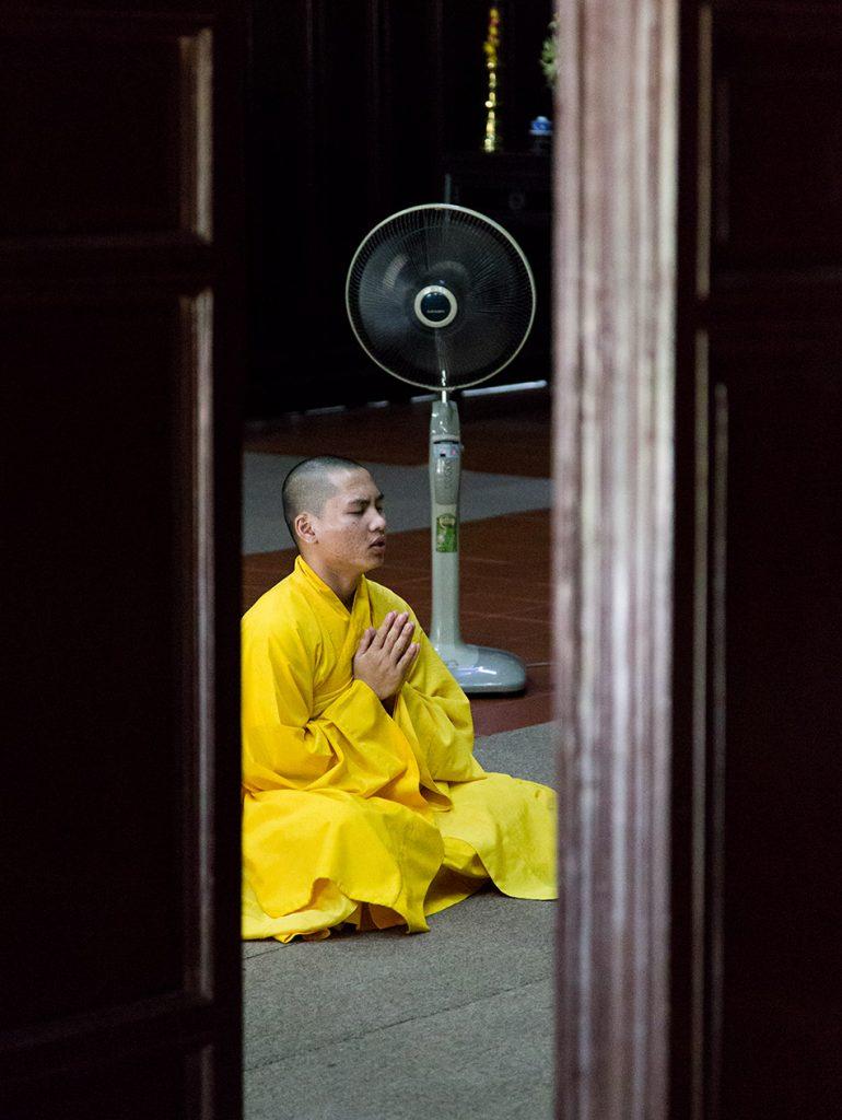 Fabian Fröhlich, Vietnam, Huế, Sanctuary Hall at the Pagoda of the Celestial Lady (Chùa Thiên Mụ)
