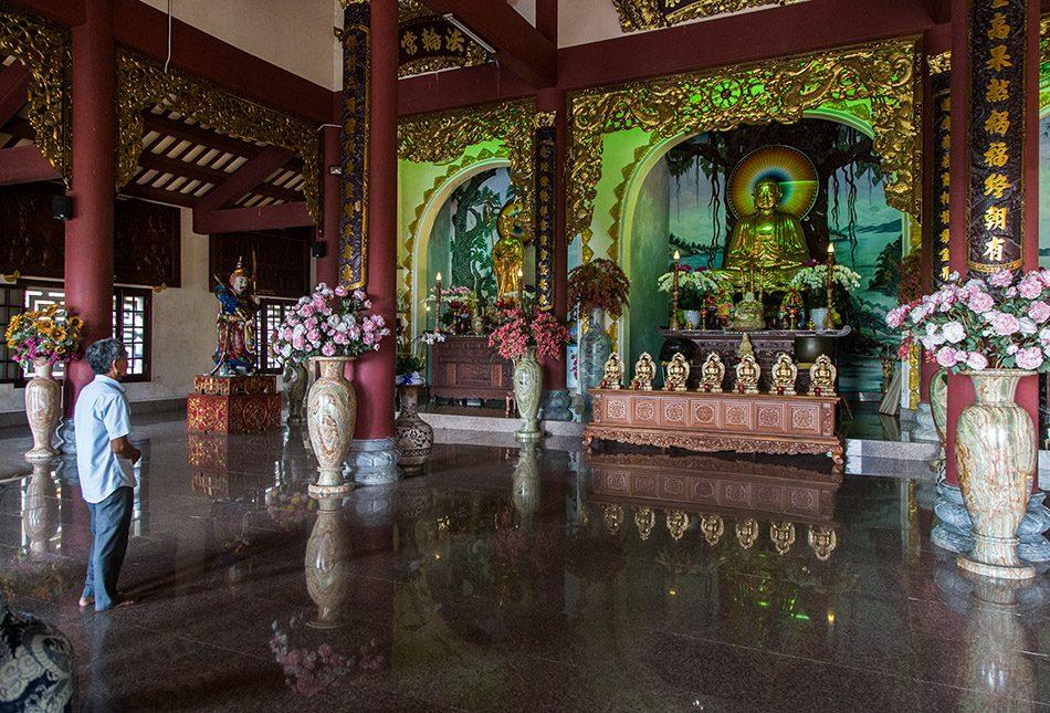 Da Nang, Linh Ứng Pagoda, Temple