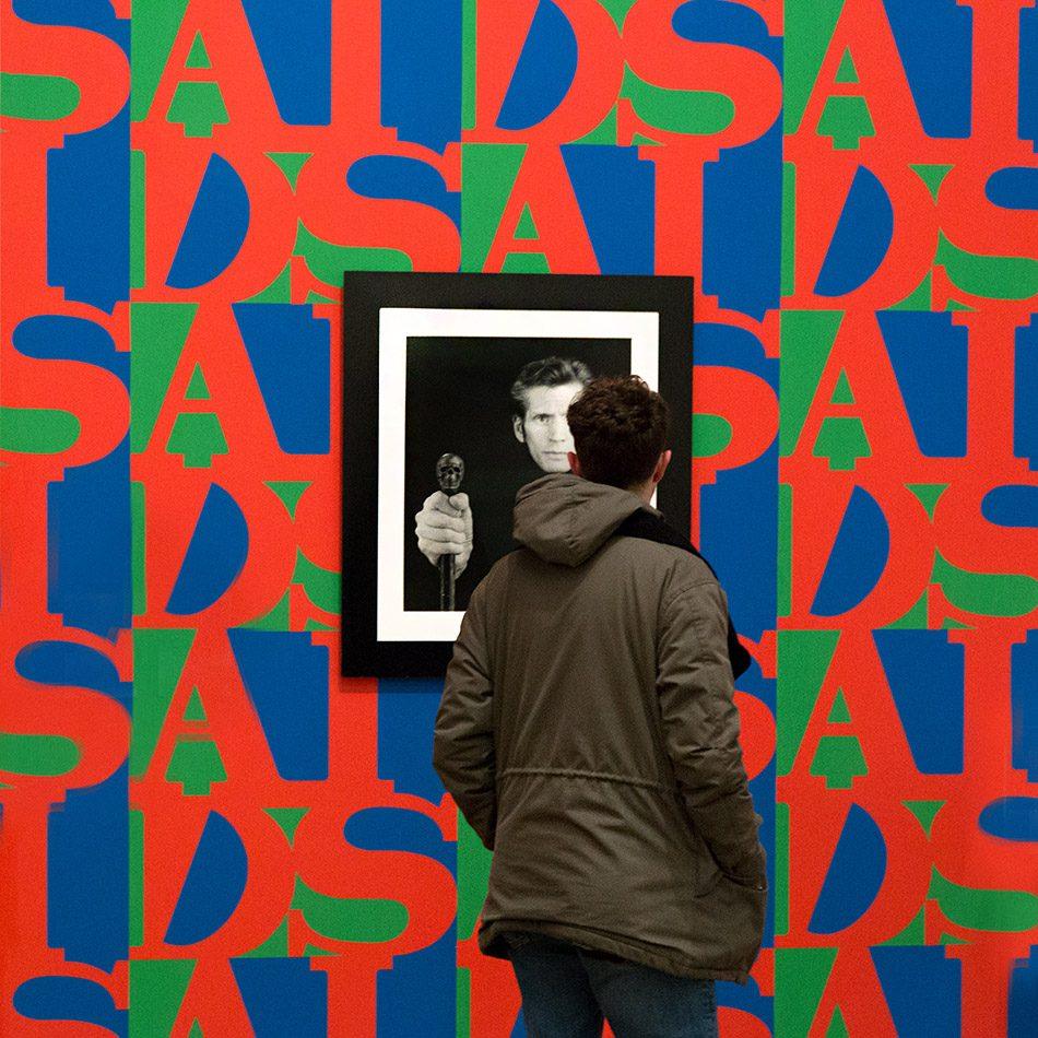 Fabian Fröhlich, Tate Modern London, Robert Mapplethorpe, Self Portrait / Gereral Idea, AIDS (Wallpaper Installation)