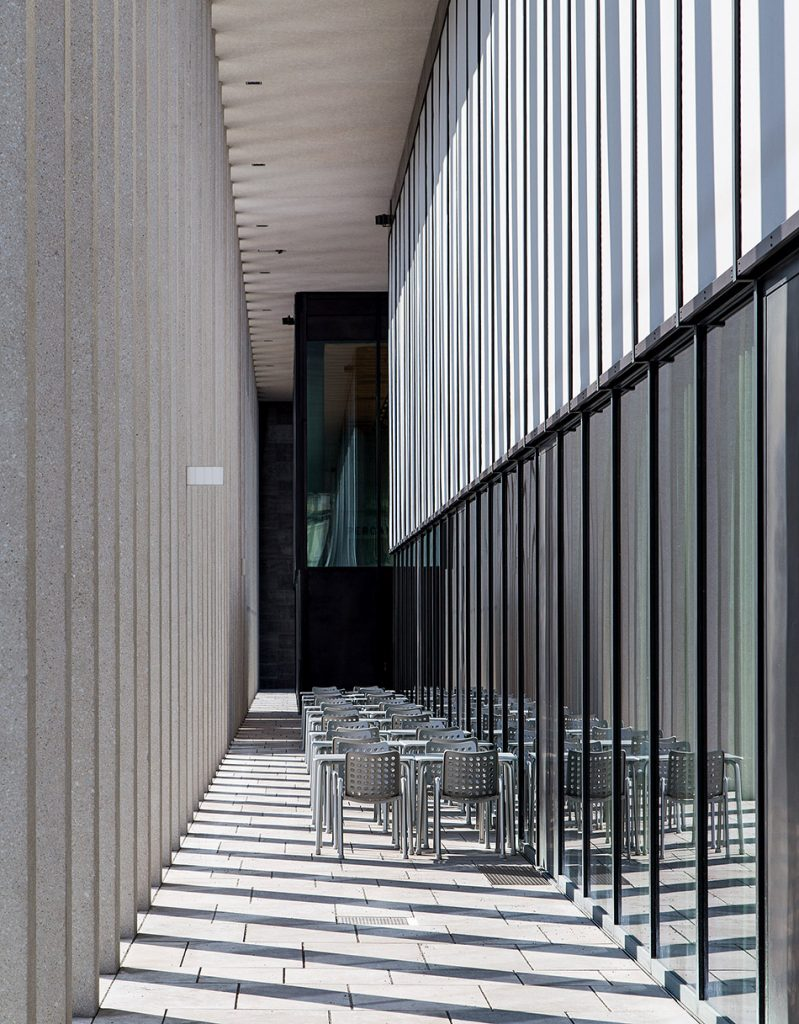 Fabian Fröhlich, James-Simon-Galerie, Berlin, David Chipperfield, Terrace