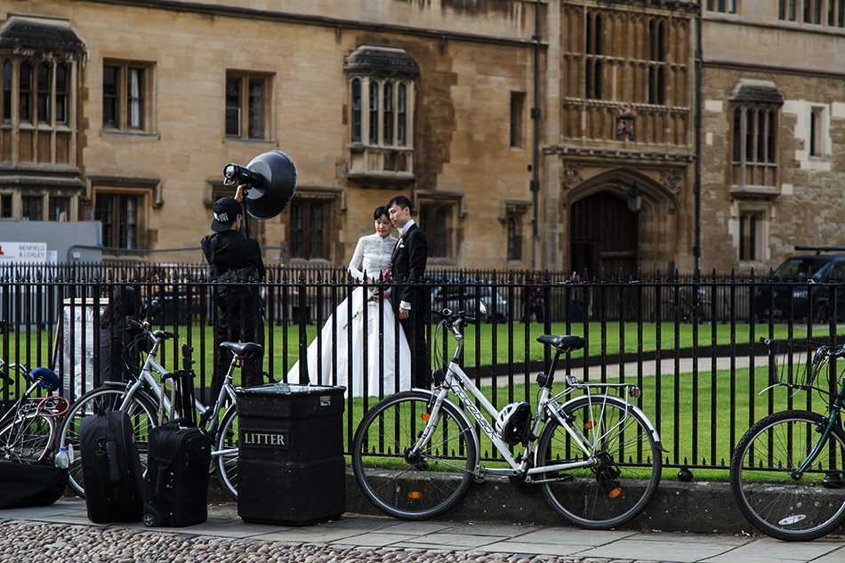Fabian Fröhlich, Oxford, Wedding Photography at Radcliffe Square