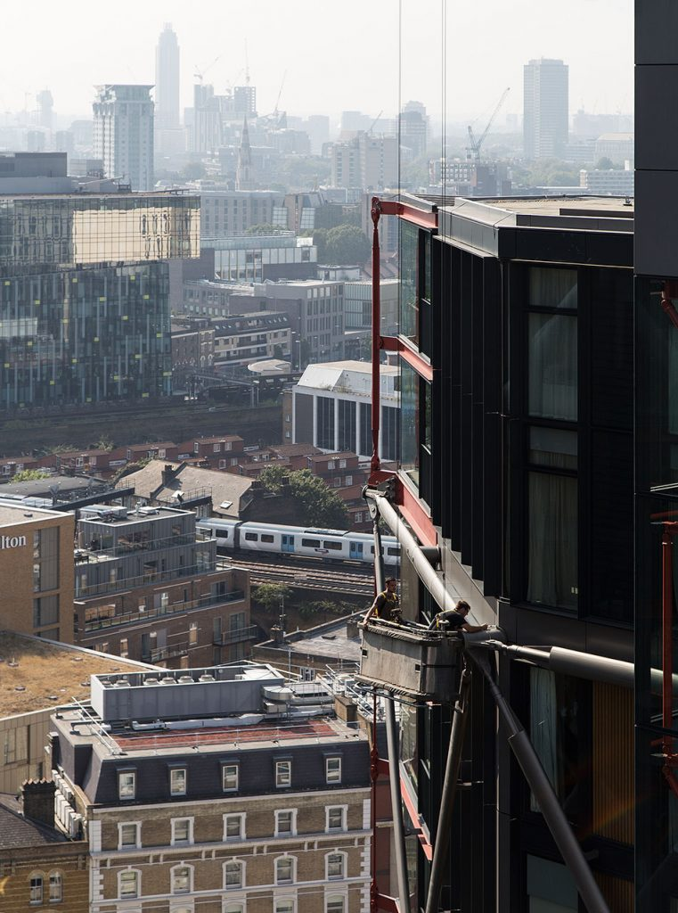 Fabian Fröhlich, Tate Modern, View from the terrace of the Switch House