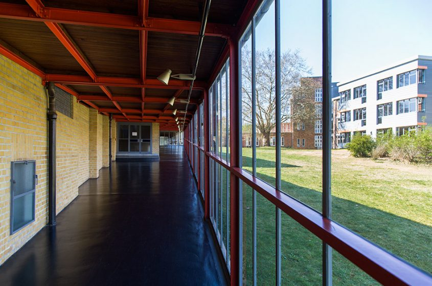 Fabian Fröhlich, Bauhaus-Denkmal Bundesschule Bernau, Glassgang
