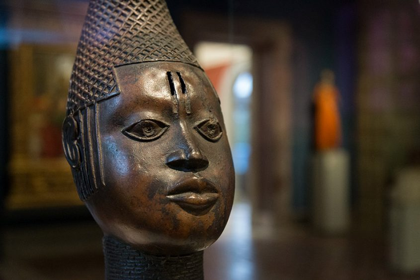 Fabian Fröhlich: Unvergleichlich: Kunst aus Afrika im Bode-Museum, Königinmutter (iyoba), Königreich Benin
