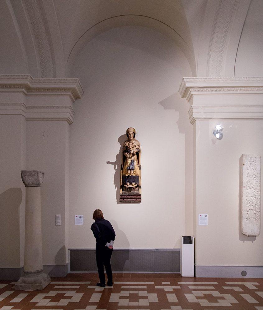 Fabian Fröhlich: Unvergleichlich: Kunst aus Afrika im Bode-Museum, Sedes Sapientiae aus dem Presbyter Martinus
