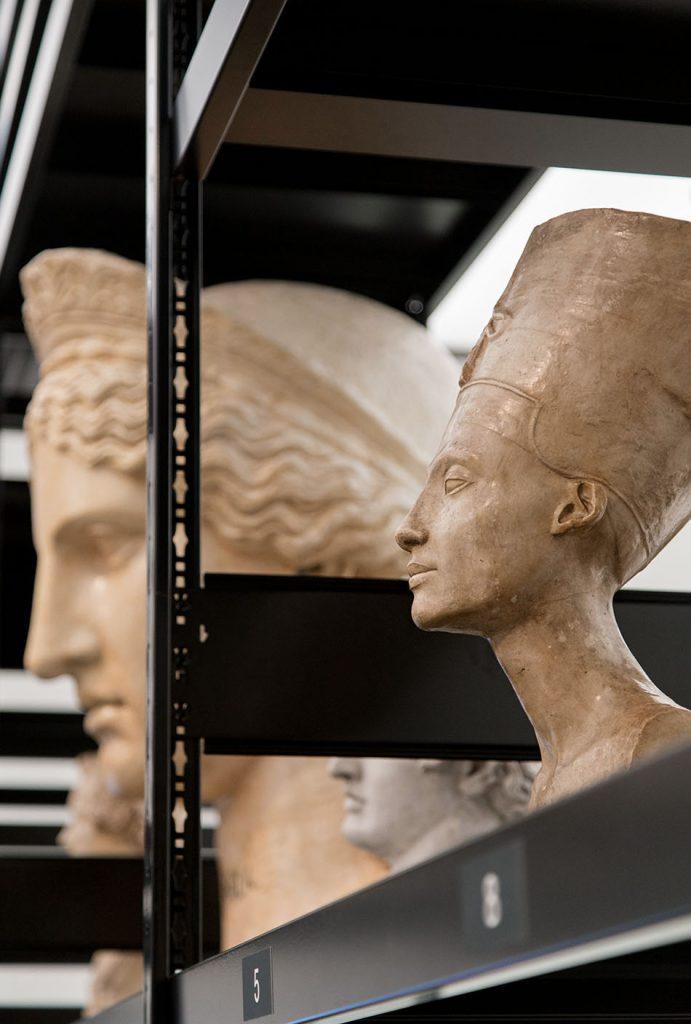 Ausstellung Nah, am Leben, 200 Jahre Gipsformerei, James-Simon-Galerie, Juno Ludovisi und Nofretete