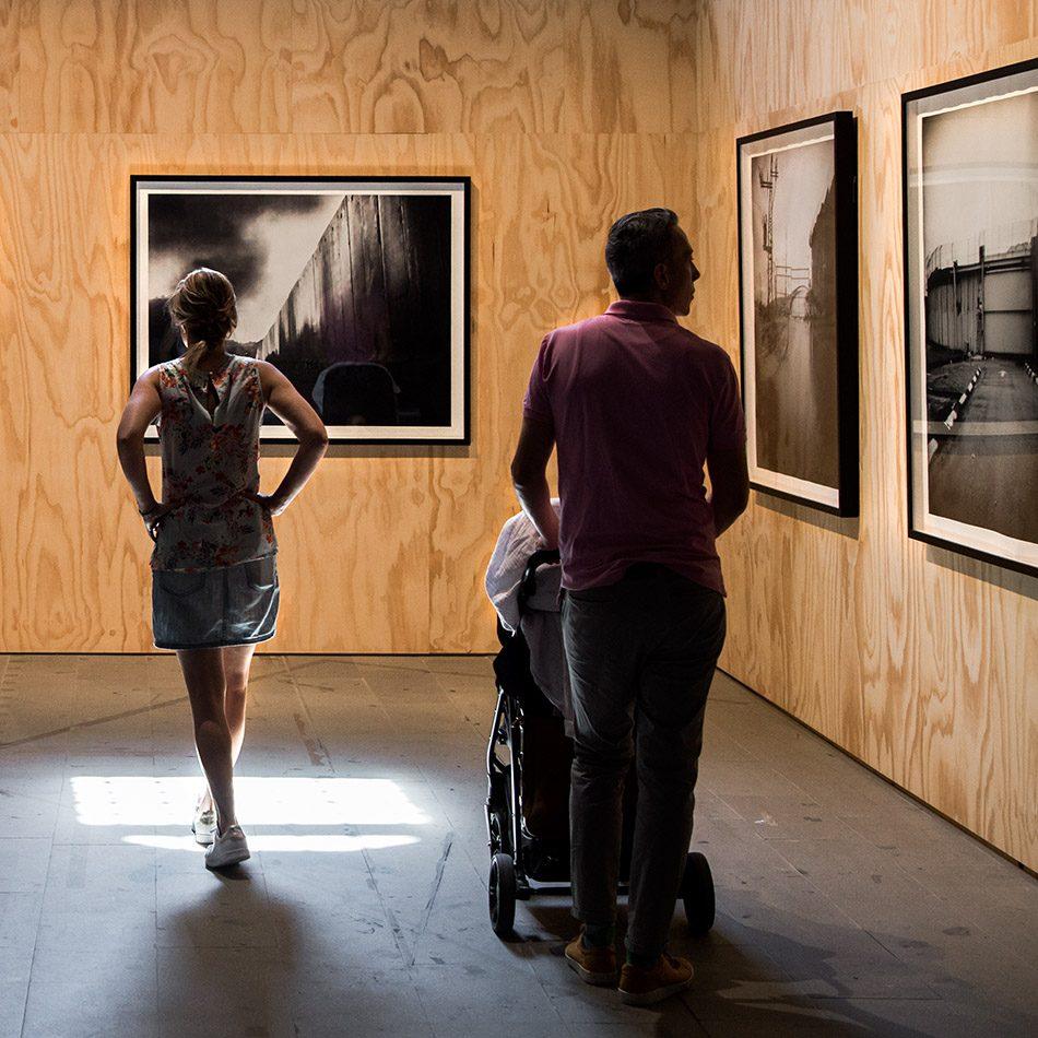 Fabian Fröhlich, Biennale di Venezia 2019, Arsenale, Rula Halawani, Gates to Heaven series