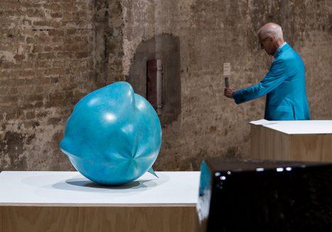 Fabian Fröhlich, Biennale di Venezia 2019, Arsenale, Central exhibition, Jean-Luc Moulène, Catasphère / Figure intermediaire excentrique Varia 1