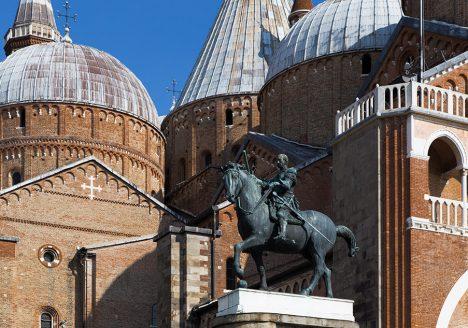 Fabian Fröhlich, Padova, Basilica di Sant'Antonio, with Equestrian Statue of Gattamelata by Donatello