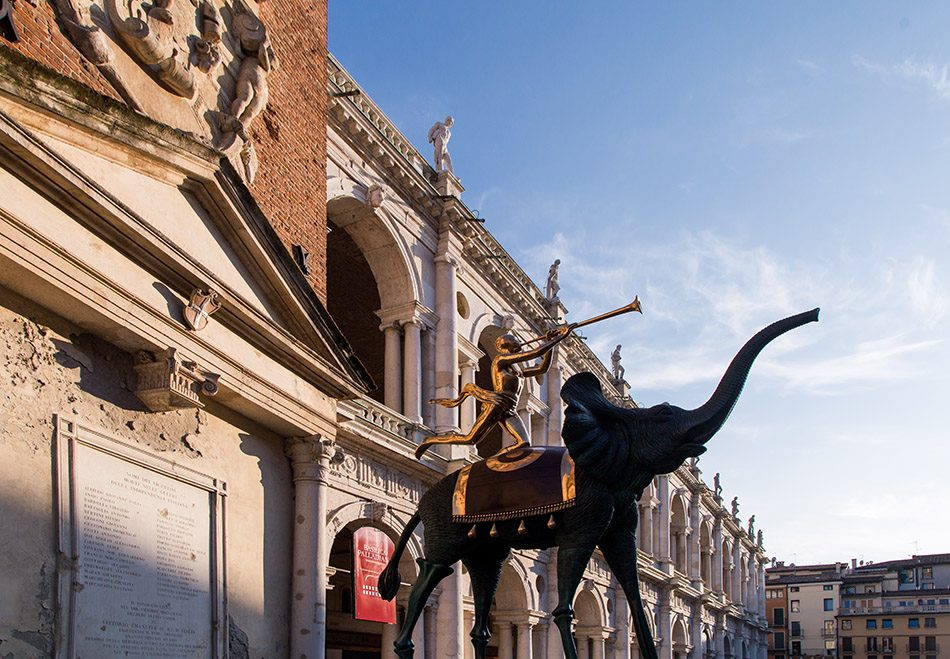 Fabian Fröhlich, Vicenza, riumphant Elephant by Salvador Dalí in front of the Basilica Palladiana