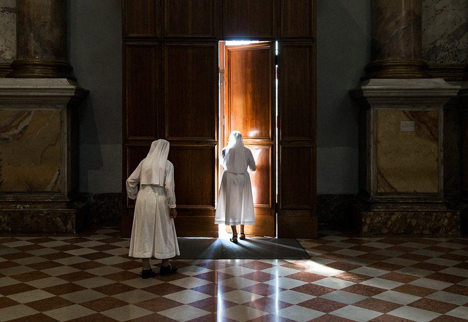 Fabian Fröhlich, Vicenza, Nuns at Santuario della Madonna di Monte Berico