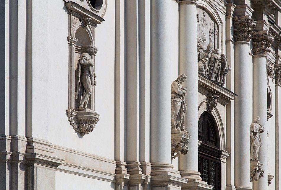 Fabian Fröhlich, Vicenza, Angel at Santuario della Madonna di Monte Berico