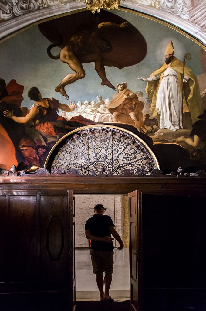 Fabian Fröhlich, Verona, Palazzo della Ragione, Cappella dei Notai, Luis Dorigny, San Zeno ordina al diavolo il trasporto della grande coppa di porfido