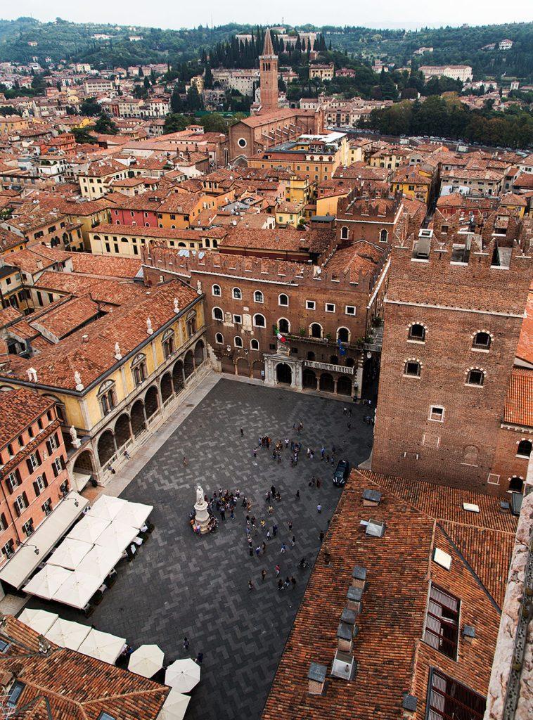 Fabian Fröhlich, Verona, View from Torre dei Lamberti to Piazza dei Signori