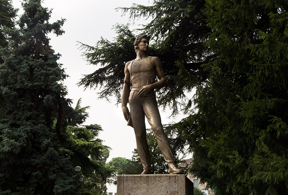 Fabian Fröhlich, Verona, Monument to the Fallen for Freedom at Piazza Bra