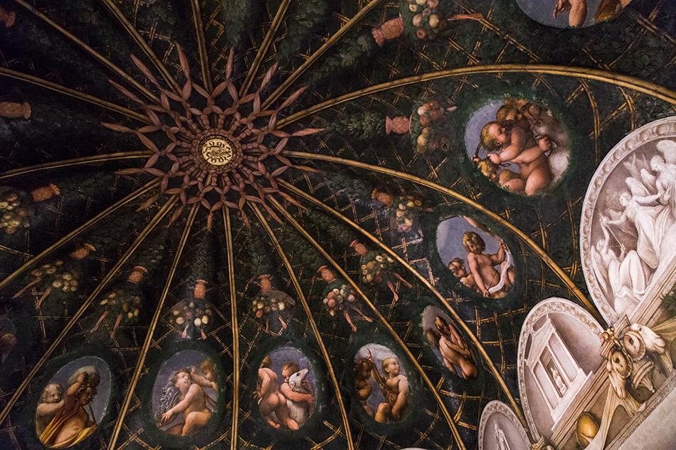 Fabian Fröhlich, Parma, Camera di San Paolo with froescoes by Correggio