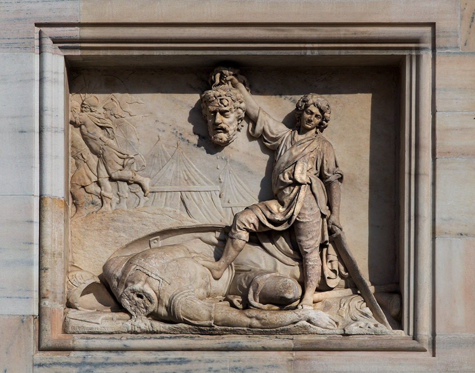 Fabian Fröhlich, Duomo die Milano, Relief with David with Goliath's head by Grazioso Rusca on the west facade