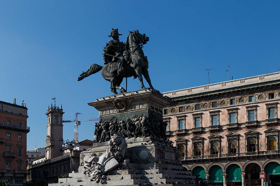 Fabian Fröhlich, Piazzo Duomo, Statue of Vittorio Emanuele II