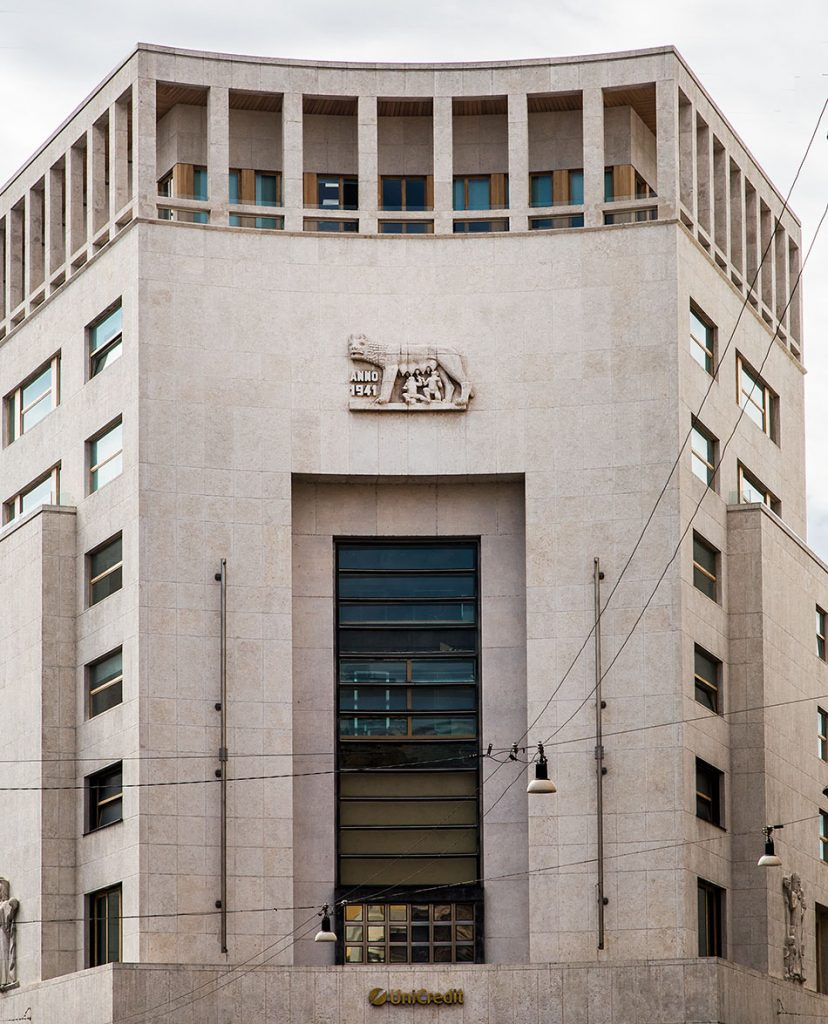 Fabian Fröhlich, Mailand, Former Bank of Rome Building